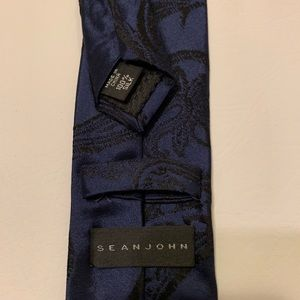Sean John navy blue paisley tie 100 percent silk